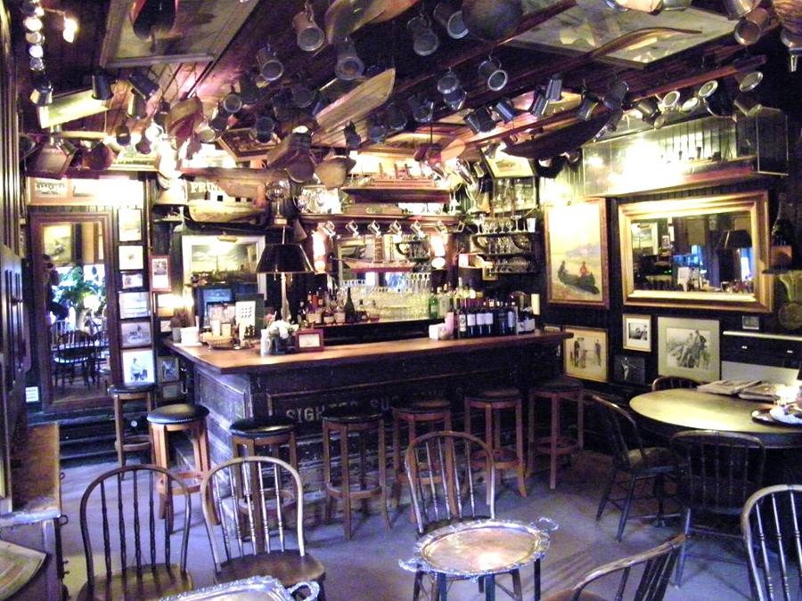 3_boat_house_bar